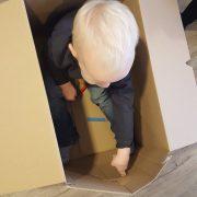 spelen in doos JKC